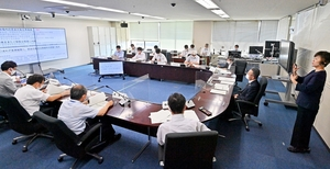3度目の福井県独自の緊急事態宣言を出し、GoToイートの停止などが発表された対策本部会議=6月24日午後5時ごろ、福井県庁