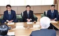 関電新本部長が謝罪 金品受領問題、県庁訪ね 副知事「再生した姿を」