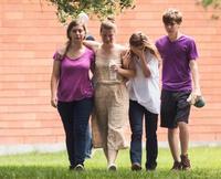 米高校で乱射、死者10人
