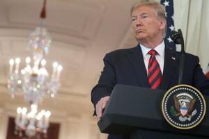 20日、ホワイトハウスで記者会見するトランプ米大統領=ワシントン(ロイター=共同)