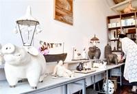 女性や動物表現陶芸作家が個展 越前市のカフェ