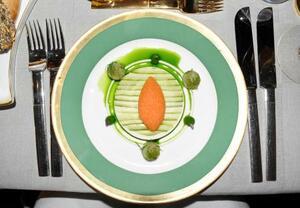 ノーベル賞の晩さん会の前菜=10日、ストックホルム(共同)