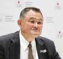 日本オリンピック委員会の新会長に選出され、記者会見する山下泰裕氏=27日午後、東京都新宿区