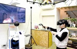 商店街で仮想現実使いeスポーツ