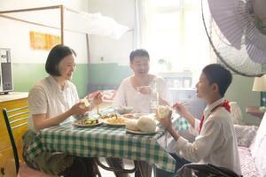 (C)Dongchun Films Production