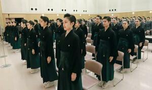 宝塚音楽学校の卒業式=3日午前、兵庫県宝塚市(同校提供)