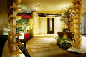 成田空港のラウンジに常設されている組み立て式和室「庵」