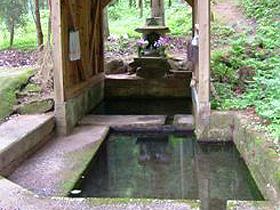 「ふくいのおいしい水」 白山神社の神事にも使われる水
