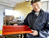 水ようかん 木箱で粋に 拭き漆職人・青山さん(越前町) 今も毎年活用