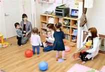 子どもと一緒に出勤、社内保育所