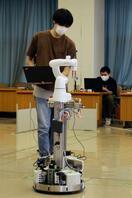 自律走行ロボットの技術力競う