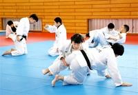 柔道教室初稽古、卒業生共に熱く 坂井・三国 みんなで読もう