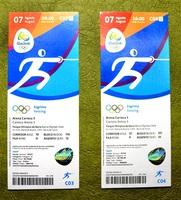 中野芳樹さんが購入した、リオデジャネイロ五輪フェンシングの予選(左)と決勝の入場チケット