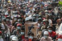 ミャンマー国軍、弾圧激化