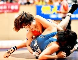 レスリング女子フリースタイル53キロ級で優勝した入江ななみ=10月1日、福井県のおおい町総合運動公園体育館