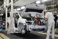 日産、中国でEVの生産工程公開