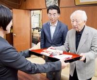 【寄贈】鯖江市校長会にミニヒマワリの種