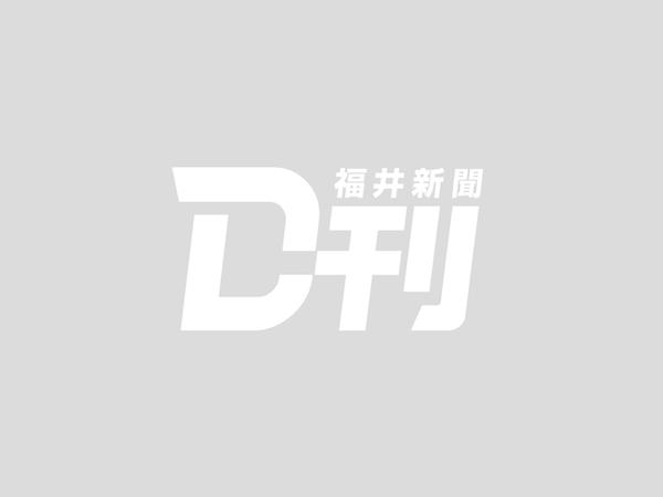 鯖江で喫茶店の1階焼く