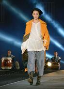 岡山城広場でファッションショー