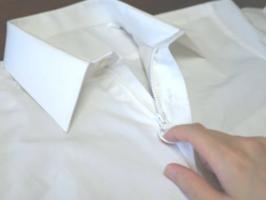 リング付きのファスナーで簡単に着脱できる「ふく楽ワイシャツ」(レディーフォー提供)
