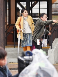 横澤夏子さんら緊張感漂わせ撮影