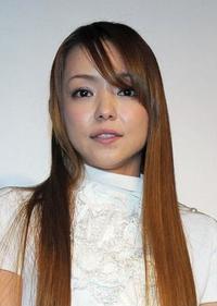 安室奈美恵さんが笑顔で別れ