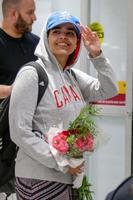 カナダ・トロントの空港に到着したラハフ・ムハンマド・クヌンさん=12日(ロイター=共同)