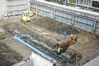 福井城の百間堀石垣30メートル出土