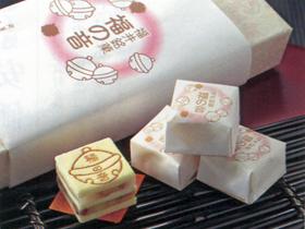 福井銘菓・羽二重餅とクルミを焼き重ねた「福の音」