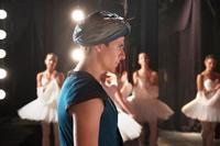 『ホワイト・クロウ 伝説のダンサー』 ヌレエフの半生を現役ダンサーが演じる