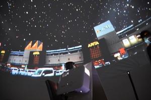 直径5メートルのドームの中で星空を楽しむ移動式のプラネタリウム