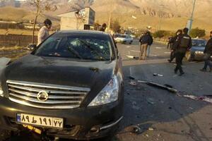 ファルス通信が報じたイランの核科学者ファクリザデ氏の暗殺現場=27日、テヘラン東方(AP=共同)