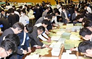 4人超えの激戦、福井市議選結果
