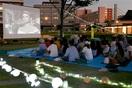 芝生広場で名画を 20日、市中央公園 福井大生が…