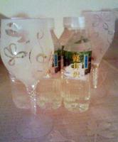(C)UWFC☆ デザインをそのままグラスに封じ込めることができる 無彩色をつかったつくり方の水グラス。自由な発想 や硬水・軟水を楽しめます。クリエイティブタイムに デザインした作品です。
