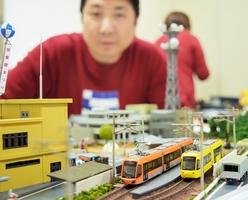 キーボとフクラムの相互乗り入れを再現したジオラマ=福井市のベル