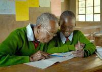 『GOGO(ゴゴ) 94歳の小学生』ケニアの助産師をめぐるドキュメンタリー