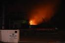 敦賀市の東洋紡で火事、消火難航