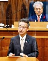 福井県議会の代表質問で答弁する杉本達治知事=12月2日、福井県議会議事堂