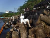 海上防災の専門集団「機動防除隊」とは…青い海を守る強い味方【敦賀海保日誌】