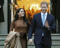 ヘンリー王子とメーガン妃=1月、ロンドン(AP=共同)