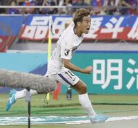 「サッカーコラム」J1広島の左サイド・柏好文が体現するサッカーの楽しさ