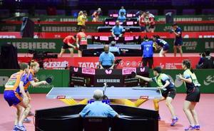 ブダペストで開幕した卓球の世界選手権=21日(共同)