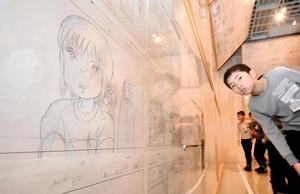 ジブリ作品のレイアウトが並ぶ会場=8日、福井県立美術館