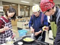 おやじの料理上出来 高浜で教室 野菜使い11人挑戦