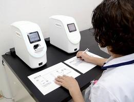 新型コロナとインフルエンザの同時流行に備え、PCR検査の機器を導入した診療所=福井県内