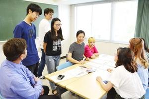 留学生に東尋坊人気「心落ち着く」