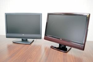 中野エンジニアリングの自社ブランド液晶テレビ=2010年