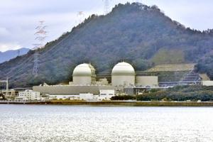 再稼働への準備が進む高浜原発3、4号機=24日、福井県高浜町