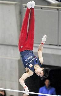 内村逆転V10 体操NHK杯 世界切符 2位白井も 石川(県協会) 鉄棒2位